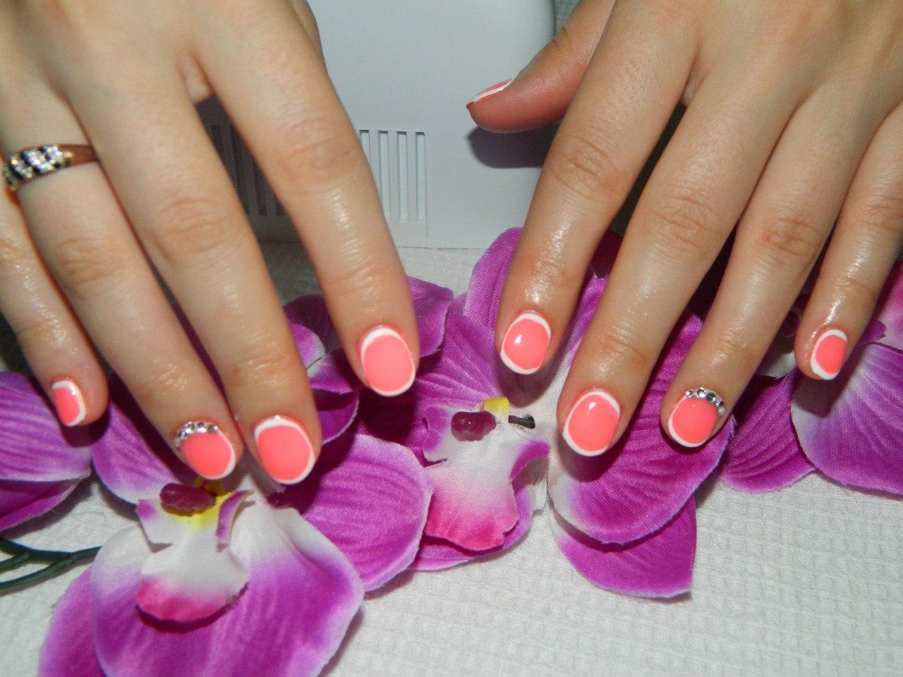 Фото красивых ногтей с рисунком на короткие ногти