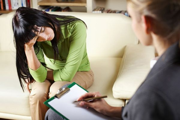 женщина у психолога