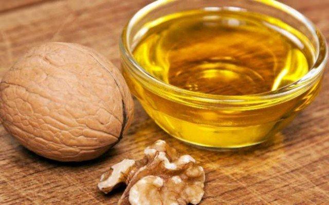 Масло грецкого ореха — полезные свойства и сферы применения