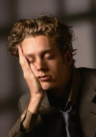 Причины сонливости. Из-за чего появляется повышенная сонливость?
