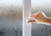 Почему потеют пластиковые окна? И что с этим делать?