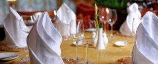 Сервировка праздничного стола! Как красиво украсить стол