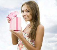 подарок девушке своими руками