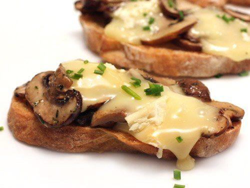 Горячие бутерброды с творогом в микроволновке - рецепт пошаговый с фото